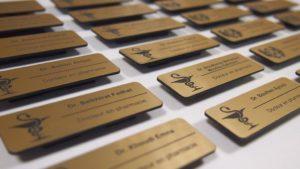 Печать и изготовление именных металлических и пластиковых бейджей Рязань